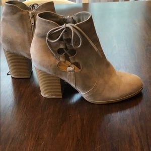 Express open side boots